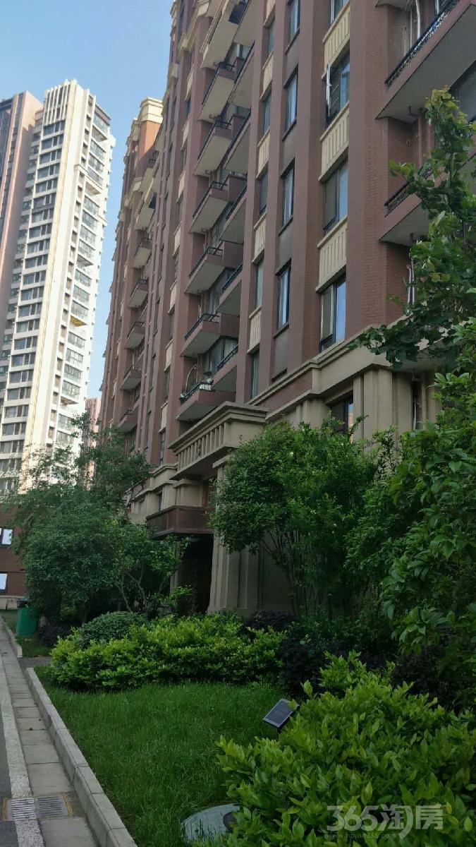 (已卖,谢谢各位关注!)金地自在城第二街区2室1厅1卫65平方米147万元
