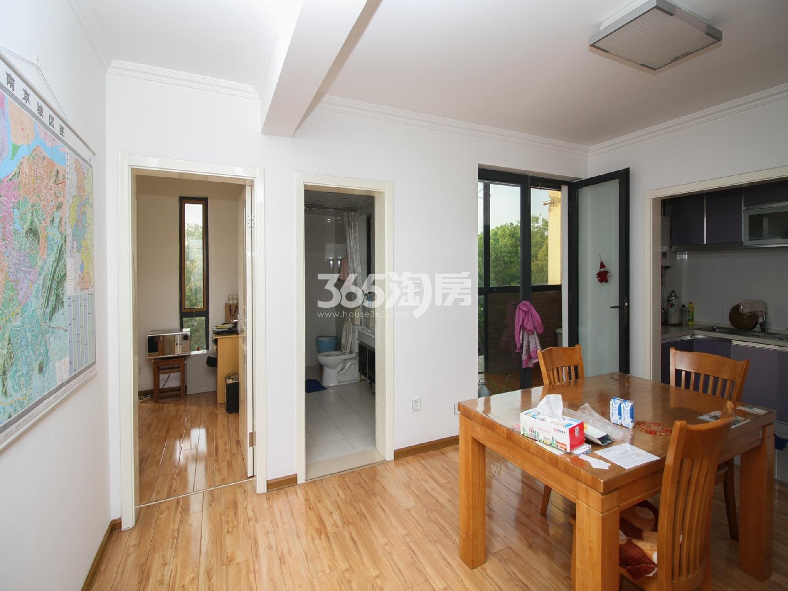 汇杰文庭2期3室2厅2卫136平米2010年产权房精装