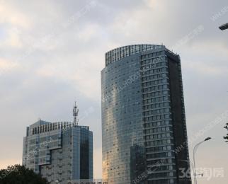 世茂写字楼5楼93平.精装中央空调.有隔断3720月 1309