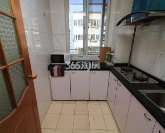 银龙花园一期1室2厅1卫45平方产权房精装带地下室