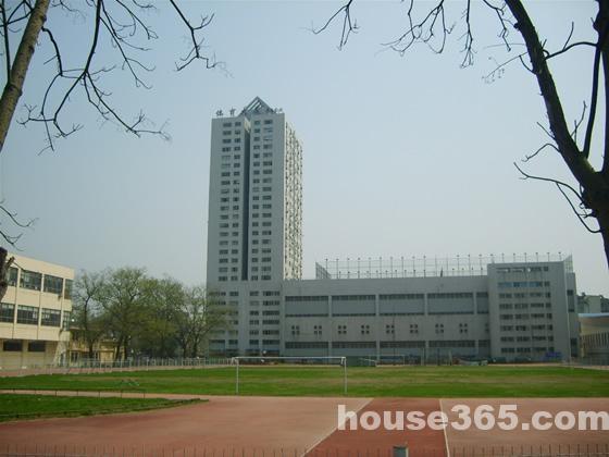 龙蟠中路体育大厦135平米整租简装交通便利
