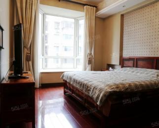 张府园地铁站 全红木家具 精装三房首租 房东出国 价格可