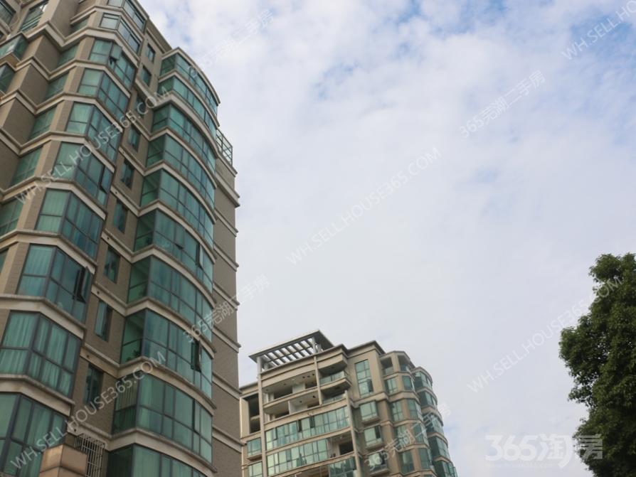 东方蓝海3室2厅2卫143平米毛坯产权房2017年建