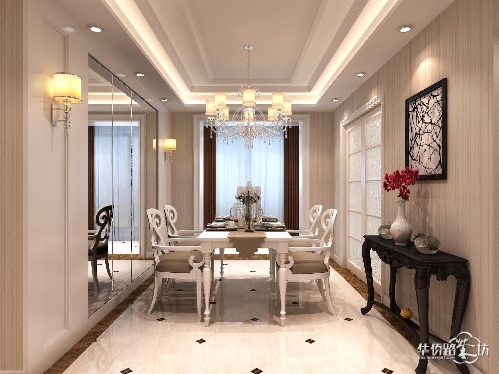 设计时选择镜子和欧式木饰面相结合做餐厅背景