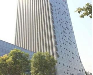 10号线地铁口 精装办公房 15个人办公舒适度高 业主直租