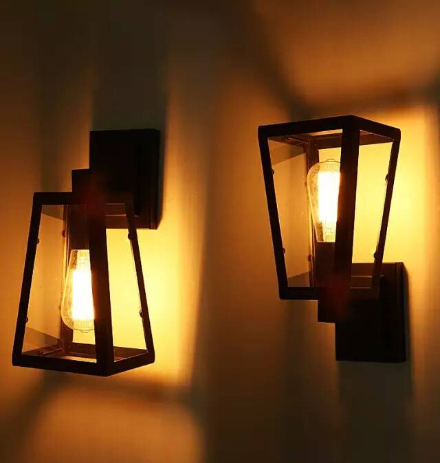 壁灯,顾名思义,是安装在室内墙壁上的辅助