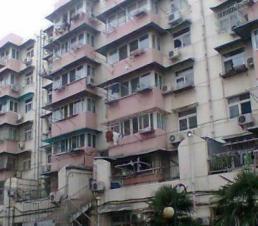 阳光绿苑3室2厅1卫130�O整租精装