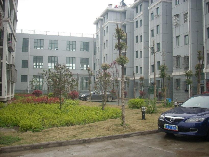 天琪福苑3室2厅2卫122.13平方产权房精装