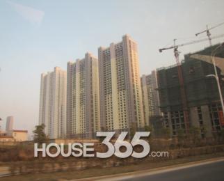 恒泰悦城3室2厅2卫130�O整租精装