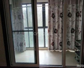 银城西堤国际六区 三室朝南 有暖气 实木家具 近地铁 河西