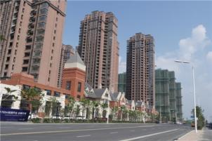 高速时代城简装两房,家具家电齐全,靠近地铁口,华