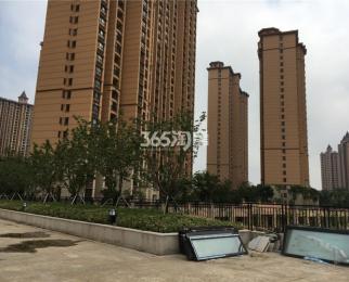 雅居乐108稀缺三房 精装修中央空调地暖 中间楼层价格Zui低