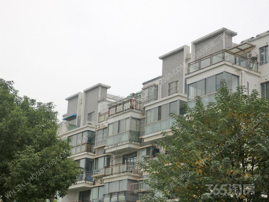 雅园147平米精装跃层,房间大阳台,跃层大平顶。