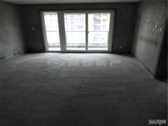 冠城大通二期 100坪四房 户型通透 看房方便 龙池地 铁站