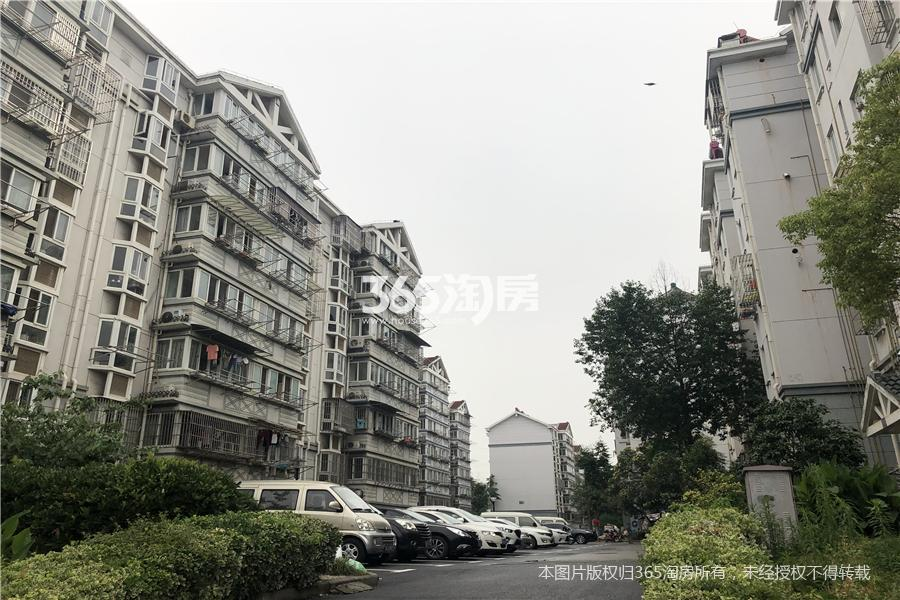 江宁区东山街道成山公寓95.00㎡精装4室1厅