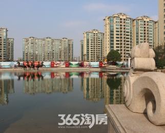 恒大华府,豪装4房,楼王位置,正对湖景,送30万家具家电,急售!