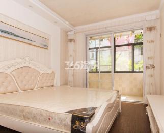 中牌楼小区2室1厅1卫62平方产权房豪华装