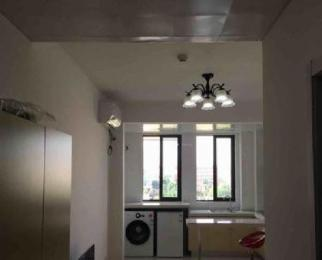 万汇城南区 隧道口精装修一室一厅民用水电设施齐全 拎包