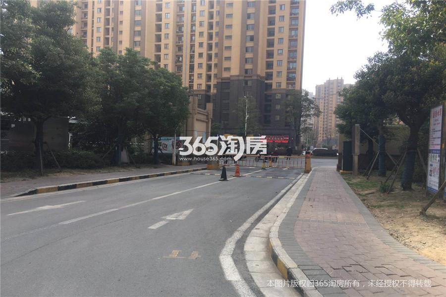 燕江新城山林苑1室1厅1卫50平米2013年产权房简装