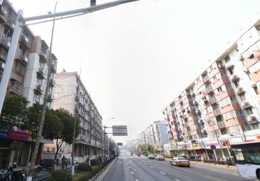 鑫海新寓62㎡整租简装已隔成2层,可做餐饮随时可用