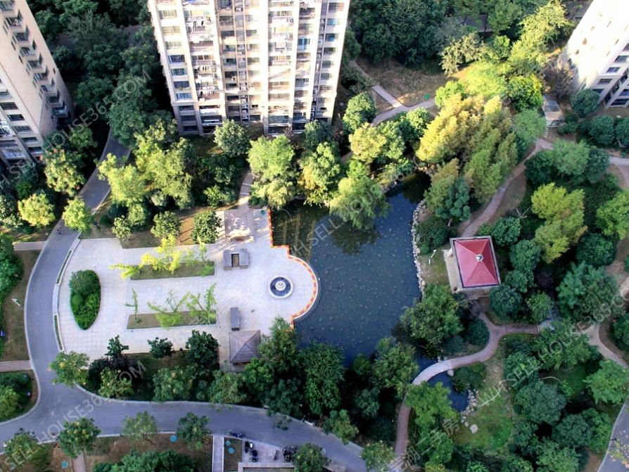万达附近 绿地伊顿公馆 精装三房 家具齐全 可拎包入住
