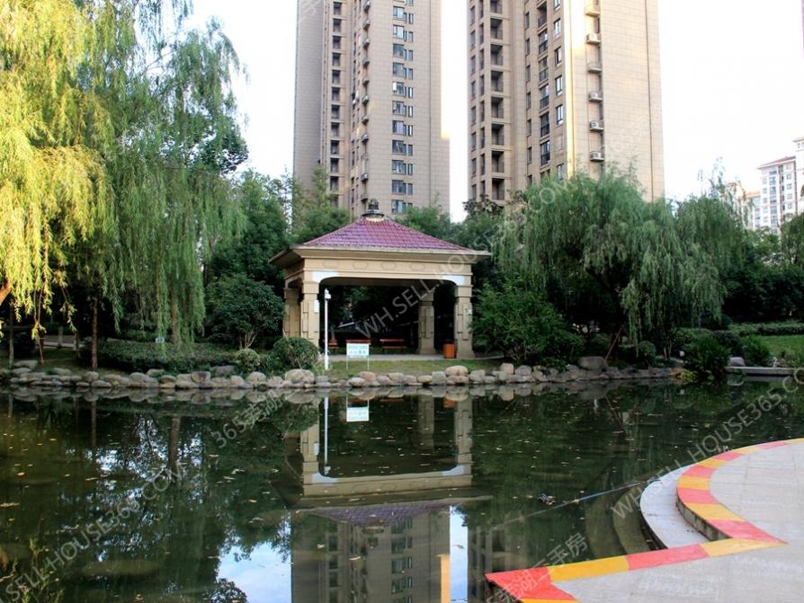 万达附近 精装三房 拎包入住 随时看房 诚租 绿地伊顿公馆