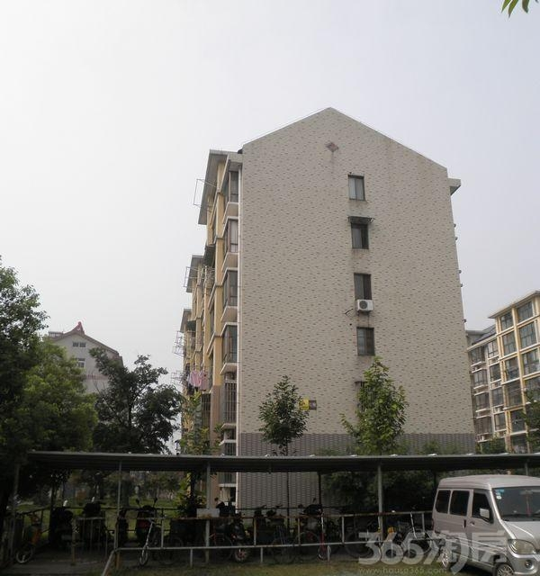 盛泉新城3室2厅2卫117平方产权房毛坯