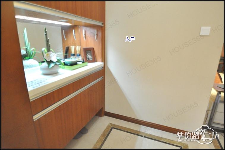 中海国际社区两栋精装修样板间公开咯 95 98平米三房两厅一卫,户型