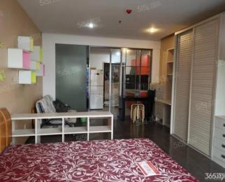 三山街仙鹤街精装单室套拎包入住交通便利看房方便