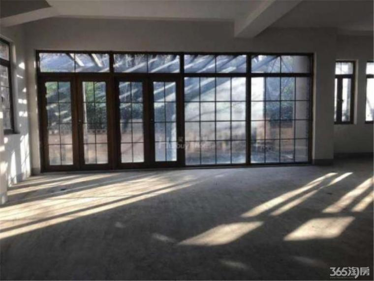 将军大道别墅 玛斯兰德 毛坯独栋 两层结构 超大气客厅 大院