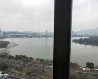 新模范马路地铁口 湖景办公房 新立基大厦 边户 风水好 租