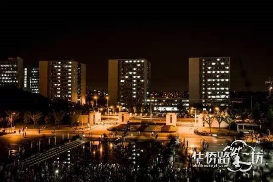 """南京高校宿舍亮灯""""5.20""""""""11不舍""""送别毕业生"""