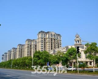 新华联梦想城 复式楼 使用面积广 全天阳光 轻轨口近商圈公园