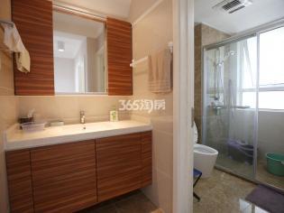 天正天御溪岸4室2厅2卫138平方产权房豪华装修