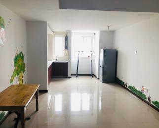 马群东 <font color=red>东郊小镇</font>八街区 两室精装 基本设施全 可以短租 可