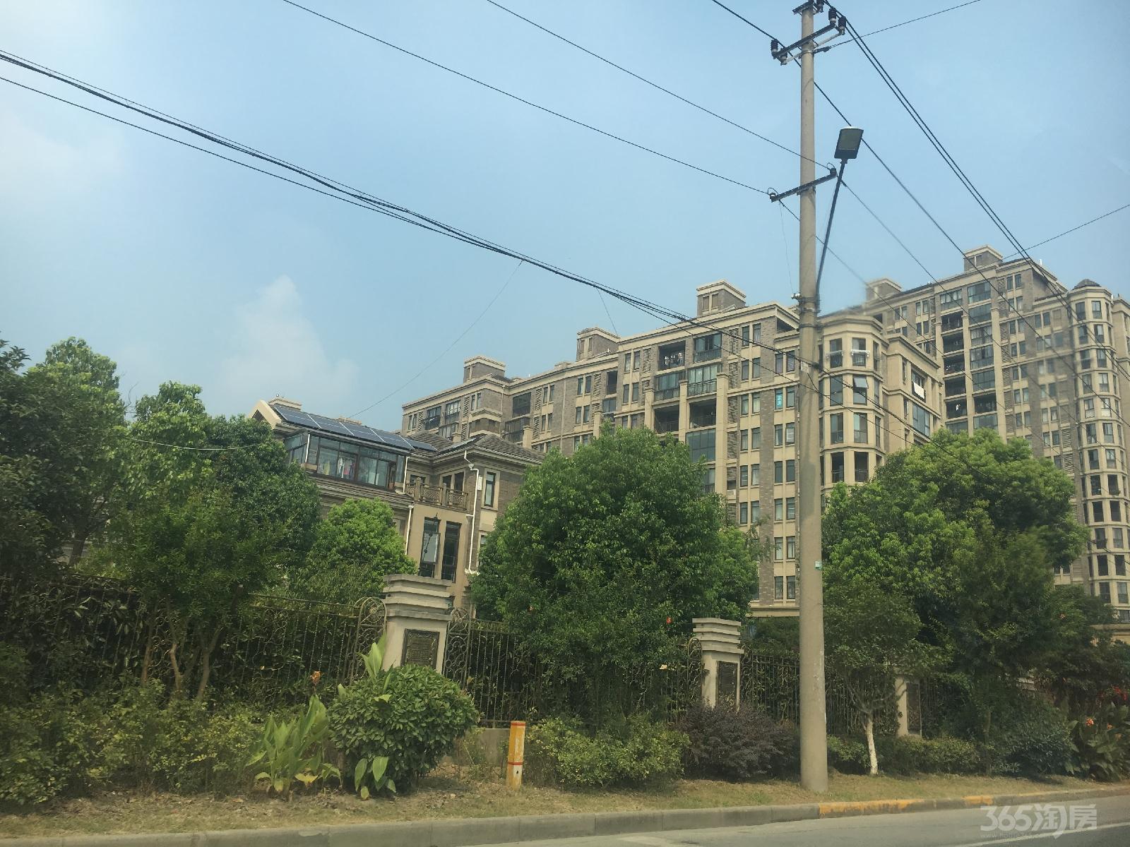 嘉兴高铁南站附近,联排别墅,毛坯