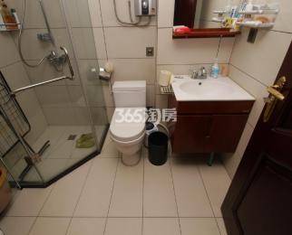 湖景花园4室3厅3卫200平方米805万元